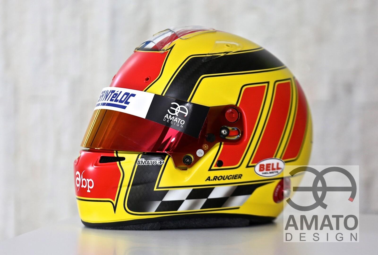 Casque conçu et réalisé par AMATO design pour le jeune pilote Arthur Rougier, coureur pour Sainteloc racing.