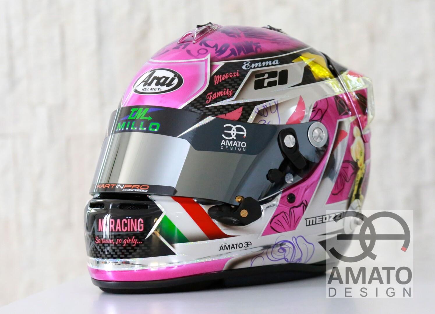 Casque conçu et réalisé pour la jeune pilote Margaux Meozzi, pilote en Karting national X30.